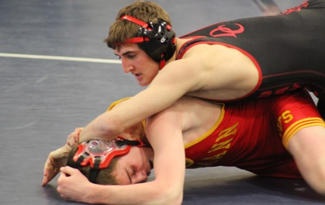 Third consecutive District Championship sends 10 wrestlers to State