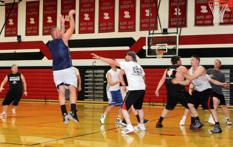 DCHS provides community with gym for recreational basketball